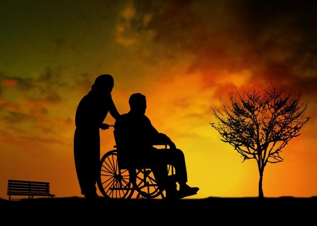 知らないと損する介護保険の仕組みとは?高齢化と介護サービスの現状。