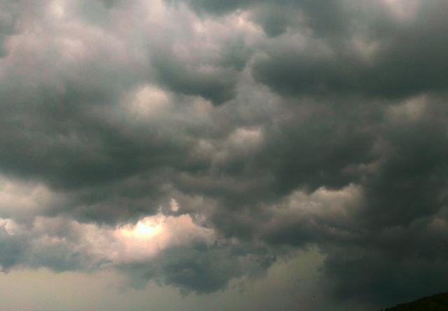 天候が原因で起こる気象病の1つ天気痛とは?具体的な症状とおすすめの対処の仕方